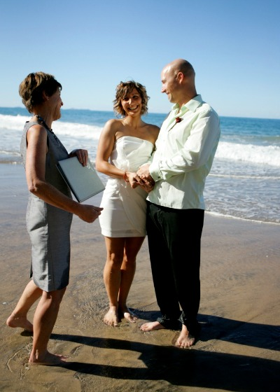 how to get married on the beach nz